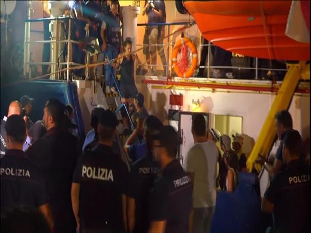 Συνελήφθη η καπετάνιος του Sea Watch 3