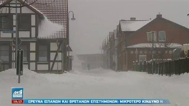 Σε κλοιό σφοδρού χιονιά η δυτική και κεντρική Ευρώπη
