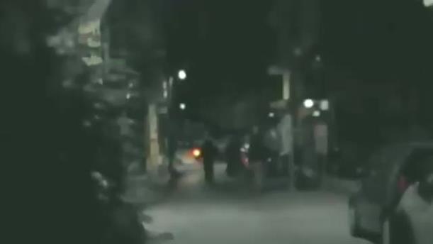 Bίντεο από επίθεση σε σύνδεσμο οπαδών της ΑΕΚ στην Αλεξανδρούπολη