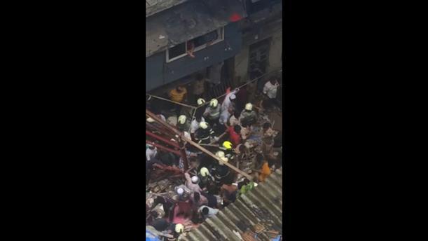 Ινδία: Νεκροί από κατάρρευση κτιρίου