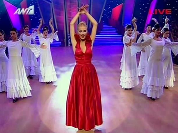 Ζέτα is dancing on stage!