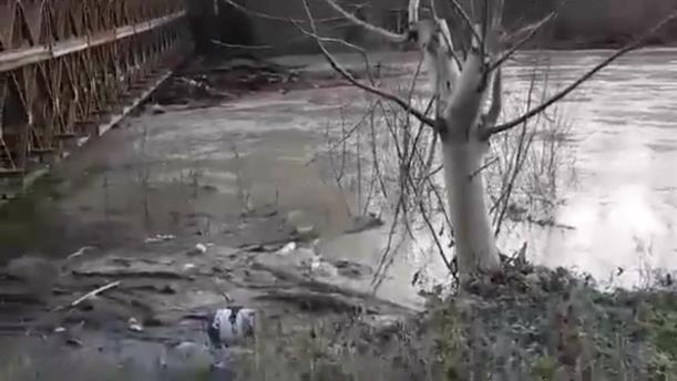 Πλημμύρισε ο Καλαμάς τους κάμπους της Βρυσσέλας
