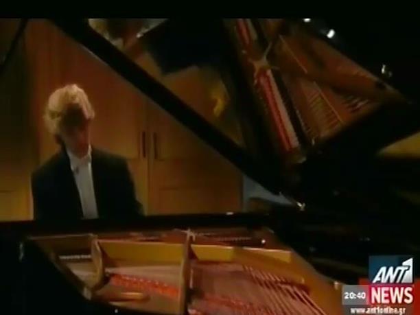 Ο 18χρονος πιανίστας Γιαν Λισιέτσκι στο Μέγαρο Μουσικής
