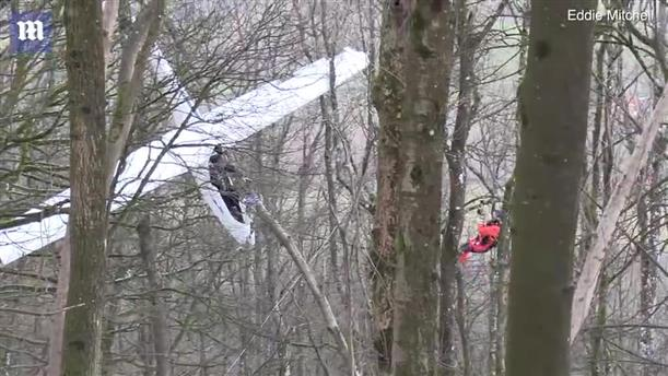 Επιχείρηση διάσωσης πιλότου ανεμοπτέρου που κατέπεσε σε δέντρα