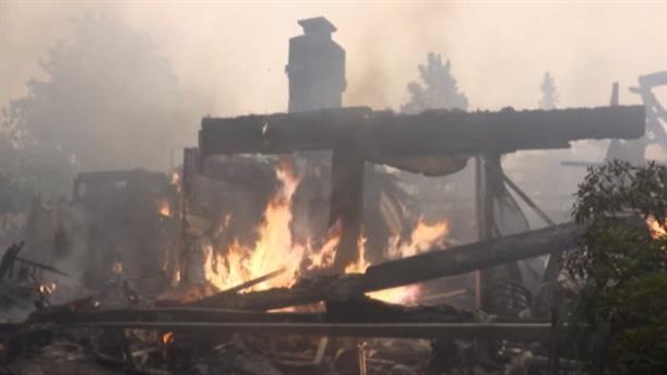 Πυρκαγιά στην Καλιφόρνια: Χιλιάδες εγκαταλείπουν την περιοχή