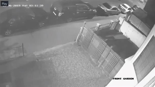 Βίντεο δείχνει άντρα να τρέχει αφού μαχαίρωσε την έγκυο στο Λονδίνο