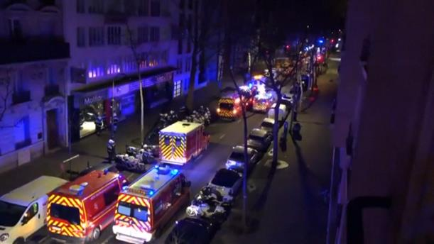 """""""Κόλαση φωτιάς"""" σε πολυκατοικία στο Παρίσι"""