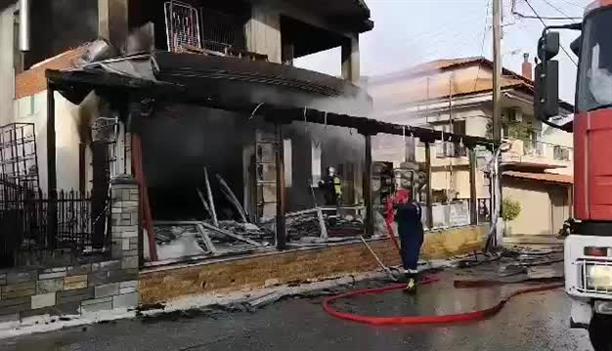 Φωτιά σε κατάστημα στη Χαλκιδική