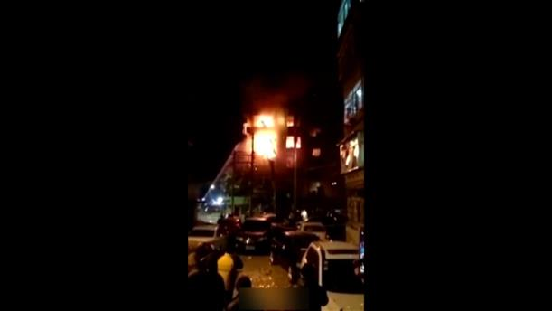 Εκκενώθηκε πολυκατοικία λόγω φωτιάς