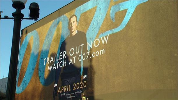 Το τρέιλερ της νέας ταινίας του Τζέιμπς Μποντ στην Piccadily