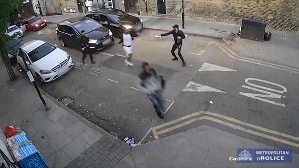Επίθεση με οξύ έξω από κλαμπ στο Λονδίνο