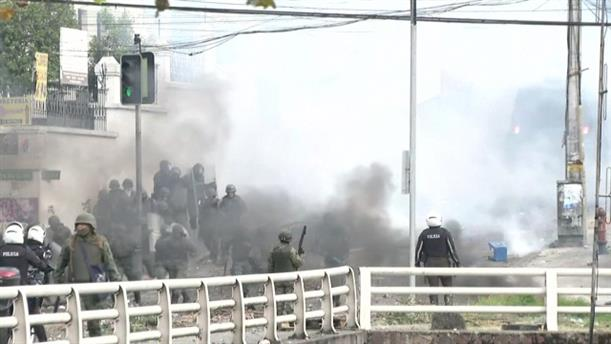 Διαδηλωτές συγκρούονται με την αστυνομία στο Εκουαδόρ