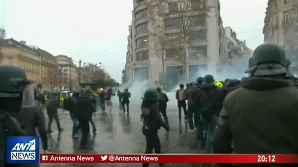 Πεδίο μάχης το Παρίσι από τα «κίτρινα γιλέκα»