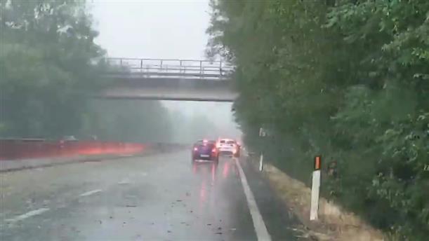 Φονικές πλημμύρες μετά τον καύσωνα στην Ιταλία