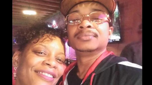 Αθωώθηκε αστυνομικός για τον πυροβολισμό μαύρου στις ΗΠΑ
