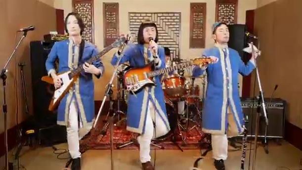 """Το ιαπωνικό συγκρότημα ξαναχτυπά: διασκευάζει τα """"Καγκέλια"""" και """"ρίχνει"""" το διαδίκτυο"""