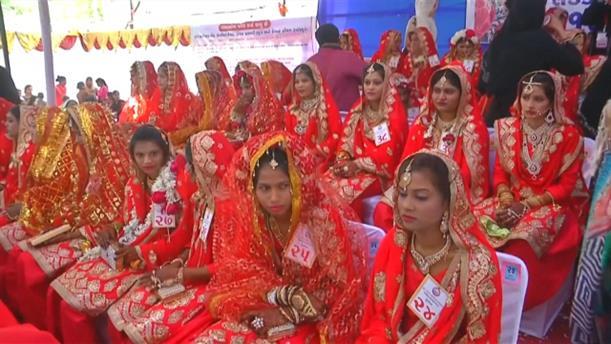 Μαζικός γάμος στην Ινδία