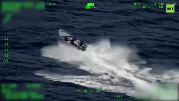 Πετούσαν την κοκαΐνη στη θάλασσα κατά τη διάρκεια καταδίωξης από την ακτοφυλακή