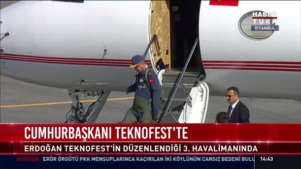 Με στολή πιλότου κατέβηκε από το προεδρικό αεροσκάφος ο Ερντογάν