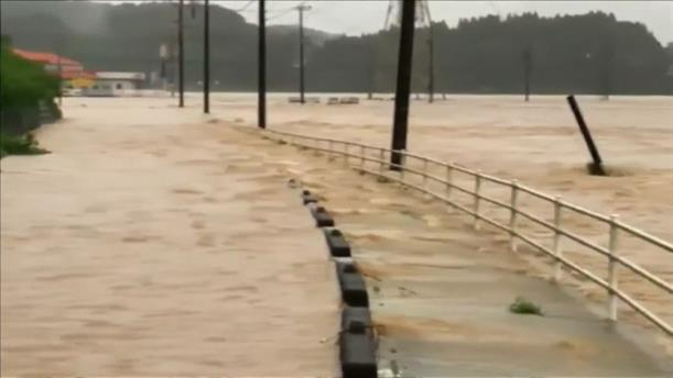 Πλημμύρες μετά τις καταιγίδες στην Ιαπωνία