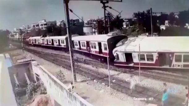 Μετωπική σύγκρουση τρένων στην Ινδία