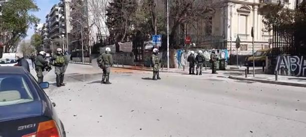 Θεσσαλονίκη: Επεισόδια έξω από κατάληψη αντιεξουσιαστών