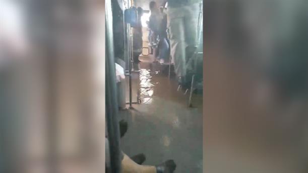 Πλημμύρισε λεωφορείο στον Ασπρόπυργο