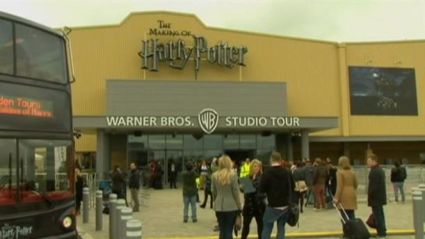 Στις φλόγες το στούντιο της Warner Bros