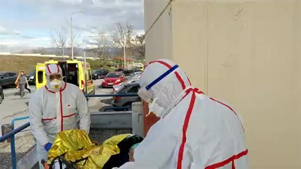 Άσκηση για τον κορονοϊό στο Πανεπιστημιακό Νοσοκομείο της Λάρισας