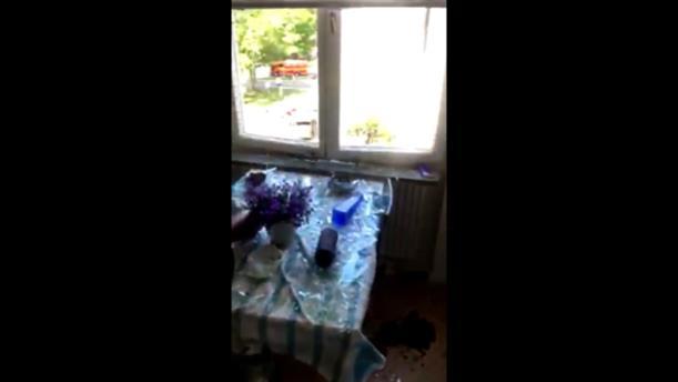 Βίντεο από εσωτερικό σπιτιού, δίπλα στο σημείο της έκρηξης