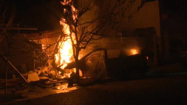 Μεξικό: Οδηγός έπεσε πάνω σε δέντρο και το αμάξι τυλίχτηκε στις φλόγες
