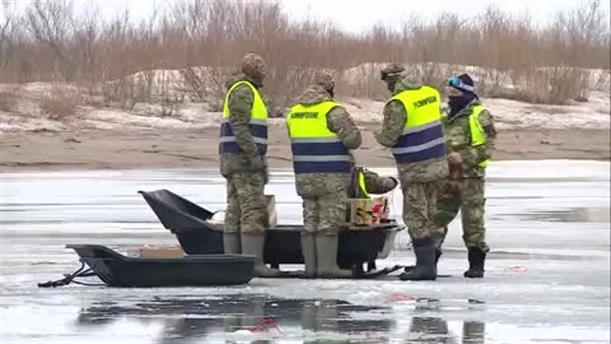 Εκρήξεις για να σπάσει ο πάγος
