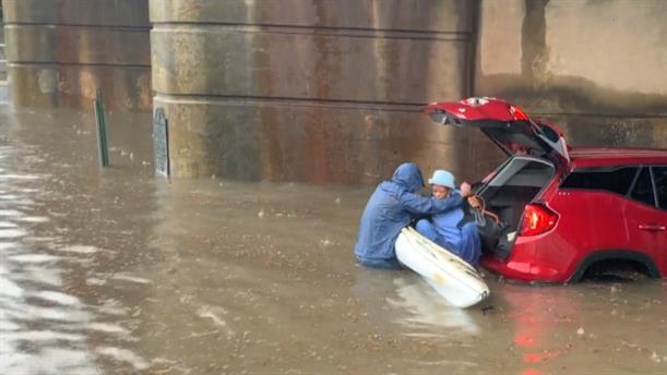 Διάσωση από πλημμύρα στη Νέα Ορλεάνη