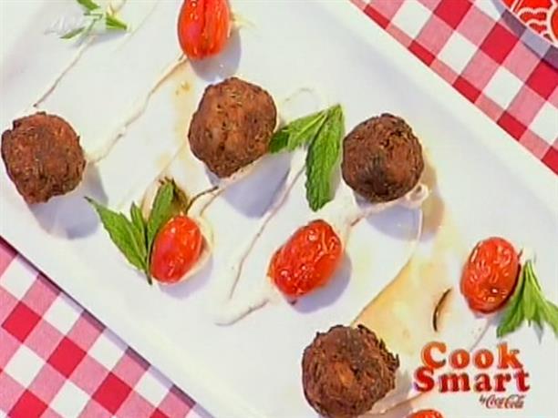 Κεφτέδες από φιλέτο με σάλτσα γιαούρτι-κύμινο