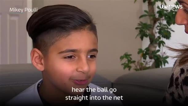 O Mikey Poulli μιλάει για την λατρεία του στο ποδόσφαιρο