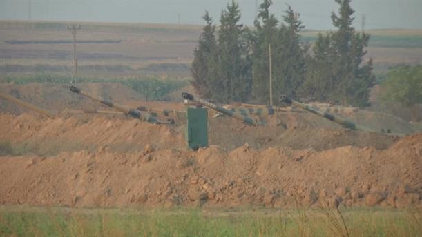 Σε θέση μάχης οι τουρκικές δυνάμεις στη Συρία