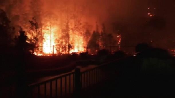 Ολονύκτια μάχη με τις πυρκαγιές στην Αυστραλία