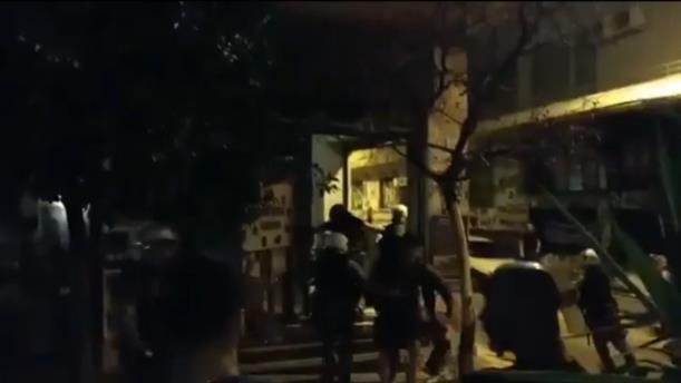 Βίντεο από τη στιγμή της έντασης στο ΒΟΞ