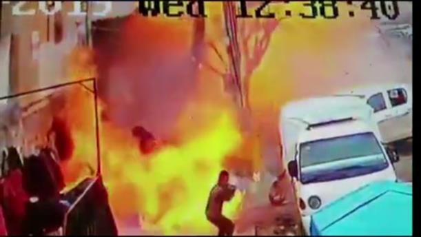 Η στιγμή της έκρηξης βόμβας σε εστιατόριο στη Συρία