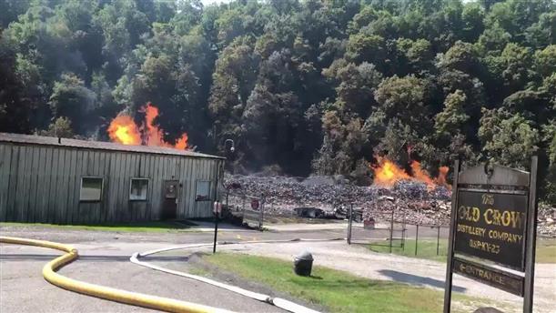 Φωτιά σε εργοστάσιο παραγωγής ουϊσκι στο Κεντάκι κατέστρεψε 45.000 τόνους μπέρμπον