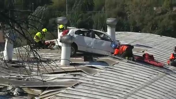 Αυτοκίνητο πέταξε και προσγειώθηκε σε σχολείο στη Χιλή