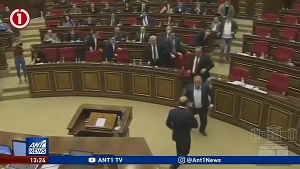 """Βουλευτές και υπουργοί """"πιάστηκαν στα χέρια"""""""