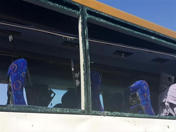 Αίγυπτος: Εικόνες από το τουριστικό λεωφορείο στο οποίο έγινε έκρηξη