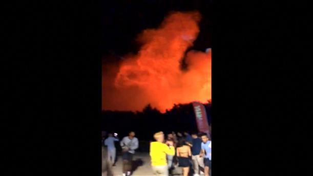Πανικός από φωτιά σε μουσικό φεστιβάλ