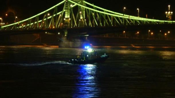 Ανατροπή πλοιάριου με τουρίστες στον Δούναβη