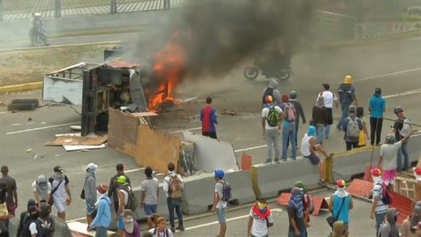 Mάχες στους δρόμους της Βενεζουέλας
