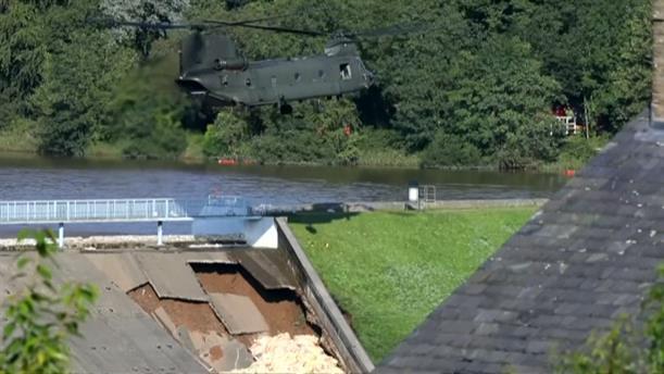 Καταστροφικές πλημμύρες μετά τον καύσωνα στη Βρετανία