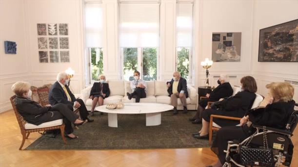 Συνάντηση του Κυριάκου Μητσοτάκη με εμβολιασμένους πολίτες 64 έως 93 ετών