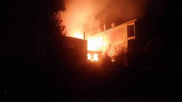 Δυο νεαροί έσωσαν ηλικιωμένη από το φλεγόμενο σπίτι της