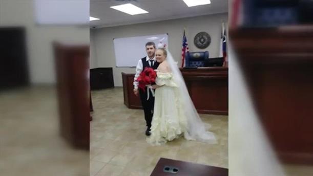Νιόπαντροι σκοτώθηκαν ακαριαία λίγο μετά τον γάμο τους